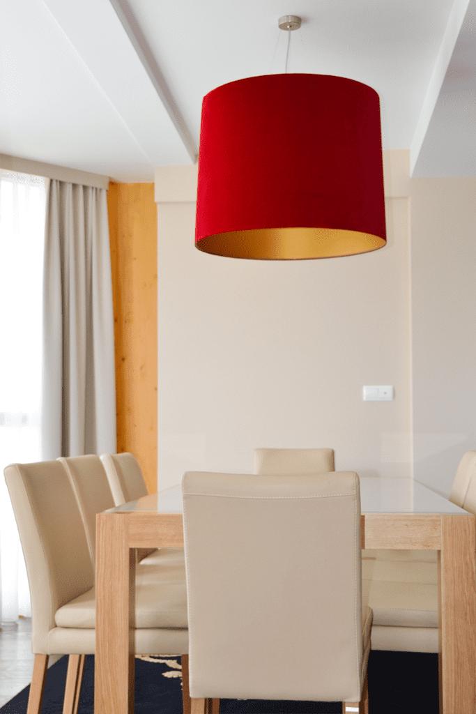 Lampy w apartamentach