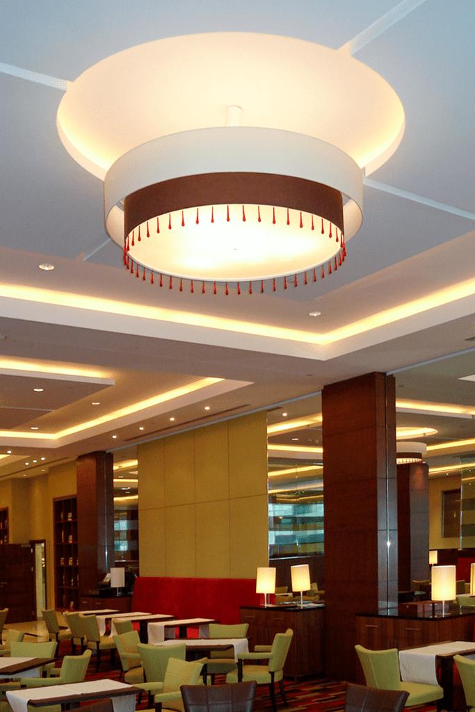 Lampy w restauracji